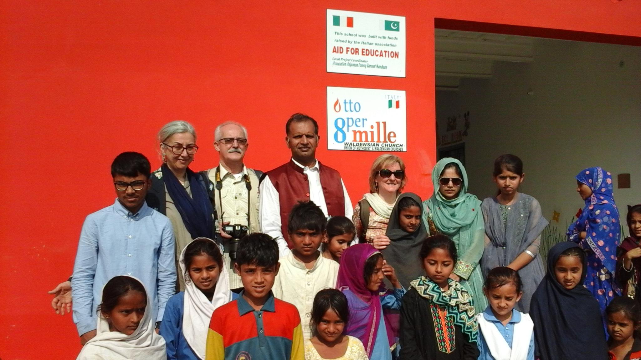 Inaugurazione della nuova scuola elementare 291JB a Toba Tek Singh, Pakistan